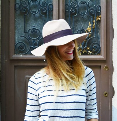 Look preppy-navy chic
