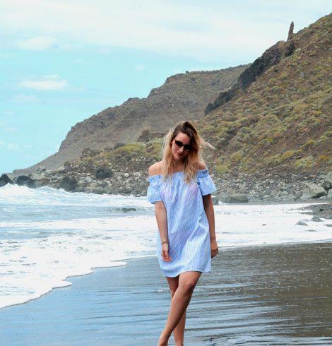Sur la plage de Benijo